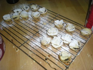 heart topped mince pies